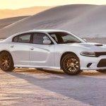2015_Dodge_Charger_SRT_Hellcat-600