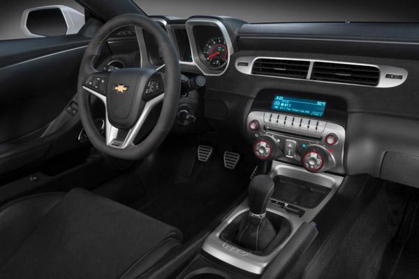 2014-Chevrolet-CamaroZ28-008-600