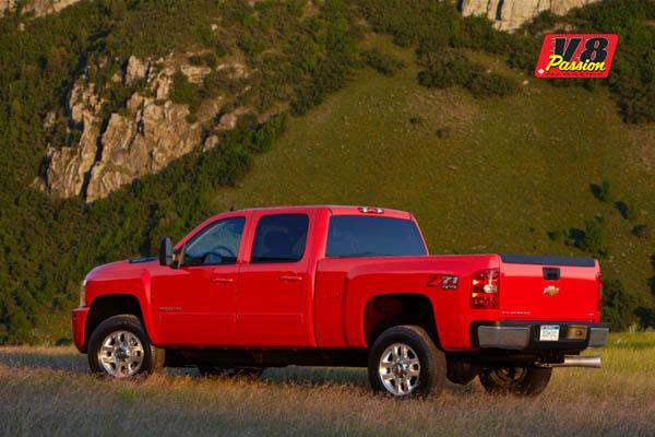 2014-Chevrolet-SilveradoHD-600
